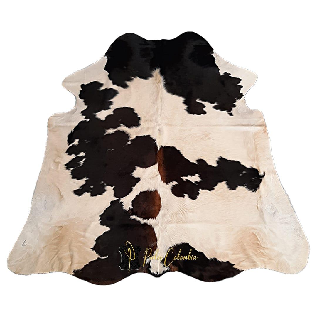 tapete-piel-de-vaca-negro-tricolor
