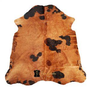 tapete-piel-de-vaca-teñido-bronce